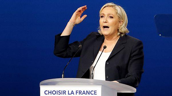 """Le Pen plagia un discurso de Fillon, en """"un guiño"""" al electorado de derecha"""