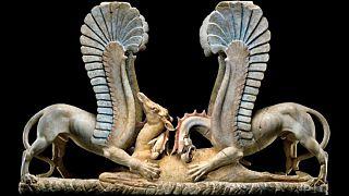 Unesco: a Parigi in mostra 36 tesori d'arte recuperati dai carabinieri
