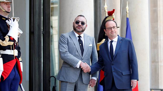 الملك محمد السادس يلتقي هولاند قبل أيام من مغادرته الأليزيه