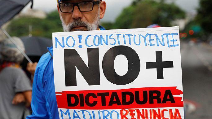 Venezuelans block Caracas in protest over President Maduro's bid to change constitution