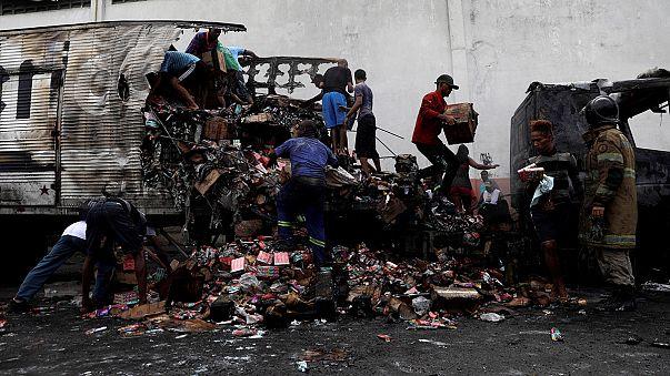 Brasil: traficantes incendeiam autocarros e camiões para perturbar operação policial