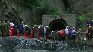 Explosion in iranischem Bergwerk: Mehrere Tote, noch immer Dutzende eingeschlossen