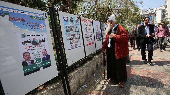 Cezayir'de halk genel seçimler için sandık başına gidiyor
