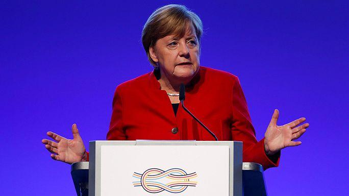 Angela Merkel contra o protecionismo
