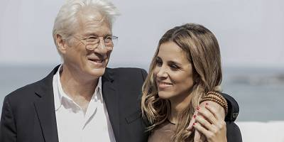 SAN SEBASTIAN, SPAIN - OCTOBER 06: Alejandra Silva and Richard Gere on photo call at the 64th International Film Festival of San Sebastian on October 6, 2016 in San Sebastian, Spain. (Photo by Claude Medale/Corbis via Getty Images)