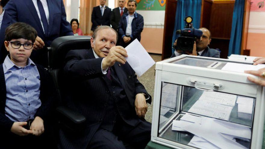 الجزائريون ينتخبون برلمانا للسنوات الخمس المقبلة