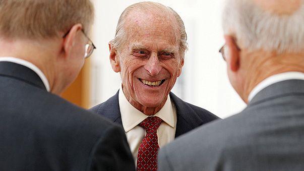 """Príncipe Filipe: """"Inaugurador de placas"""" passa à reforma."""