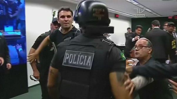 Tüntetések a nyugdíjreform ellen Brazíliában