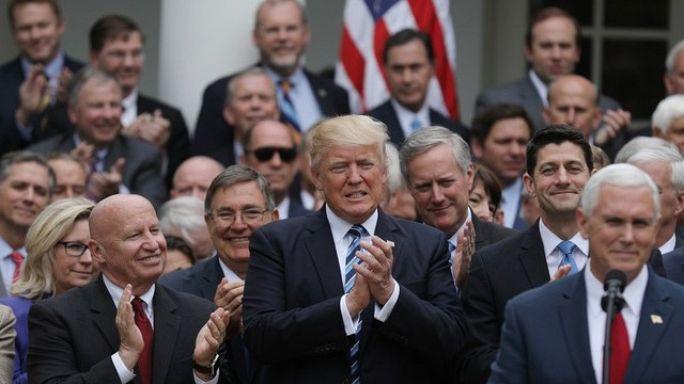 """إسقاط """"أوباما كير"""" وإقرار قانون ترامب للرعاية الصحية"""