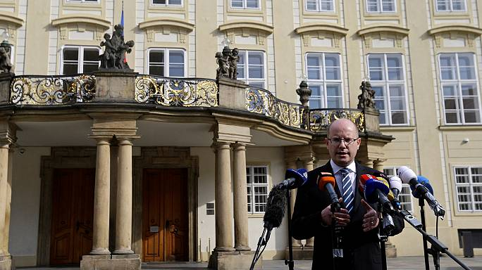 Elodázta lemondását a cseh miniszterelnök