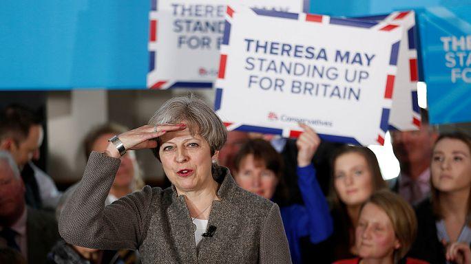 Les élections locales britanniques confortent Theresa May