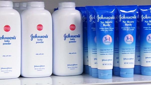 Johnson&Johnson обязали выплатить 110 миллионов долларов заболевшей раком женщине