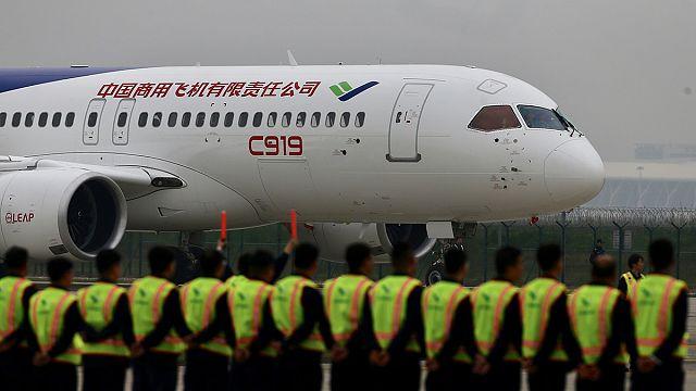 China: Konkurrent von Airbus und Boeing auf Jungfernflug