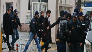 إقالة 100 قاض في تركيا للاشتباه في انتمائهم لحركة غولن