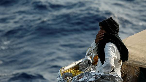 Menekülteket dolgoztató olaszokat vettek őrizetbe