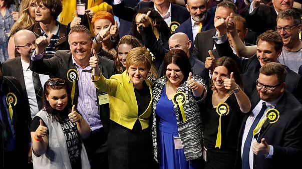 Sturgeon hält Tories klein