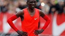 Kenyan runner narrowly misses breaking marathon record