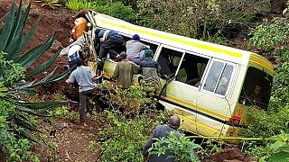 Tanzániai gyerekek haltak meg egy buszbalesetben