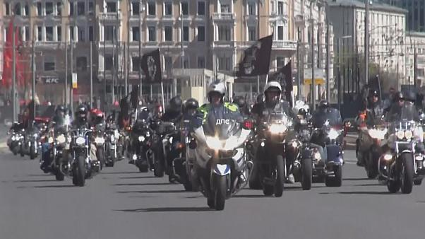 Frühlingsgefühle - Bikerparade in Moskau