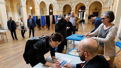 France : début du vote pour le second tour de l'élection présidentielle