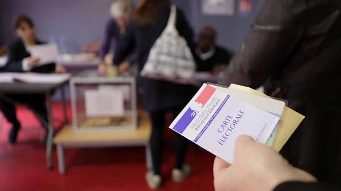 French election: voters decide between Macron and Le Pen