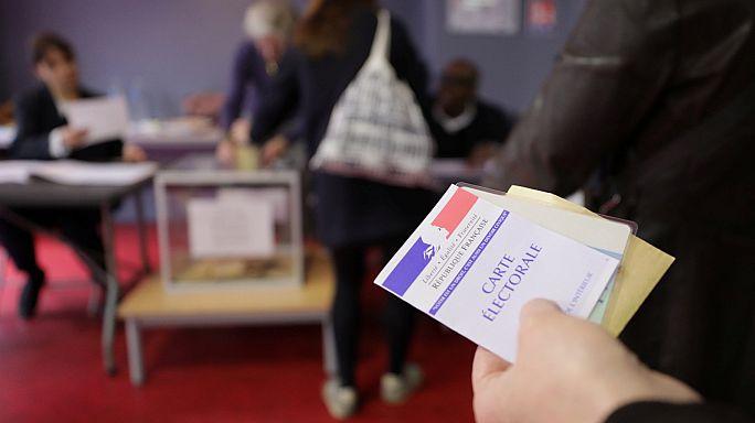 Fransa'da cumhurbaşkanı adayları oylarını kullandı