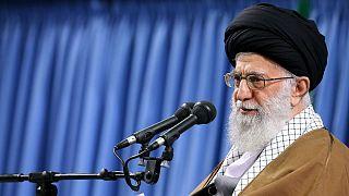 انتقاد شدید خامنه ای از اجرای سند آموزشی یونسکو در ایران