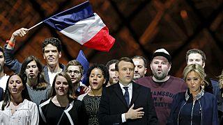 "Macron Presidente põe a França ""em marcha"""