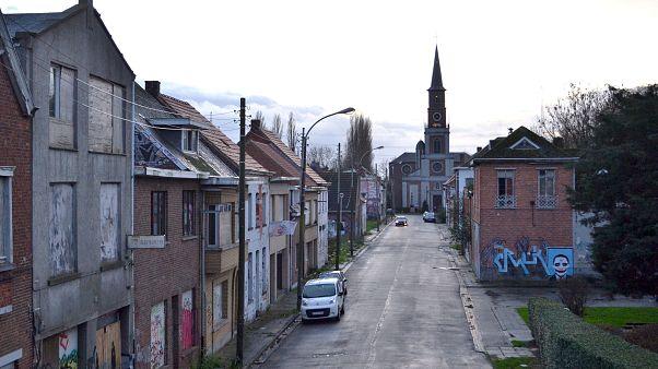 Ντοέλ: Το βέλγικο χωριό αποκτά νέα ζωή χάρις στα γκράφιτι