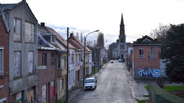 فن الشارع يعيد الحياة لقرية مهجورة في بلجيكا