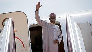 """Le président nigérian en route pour Londres pour de nouveaux """"examens médicaux"""""""