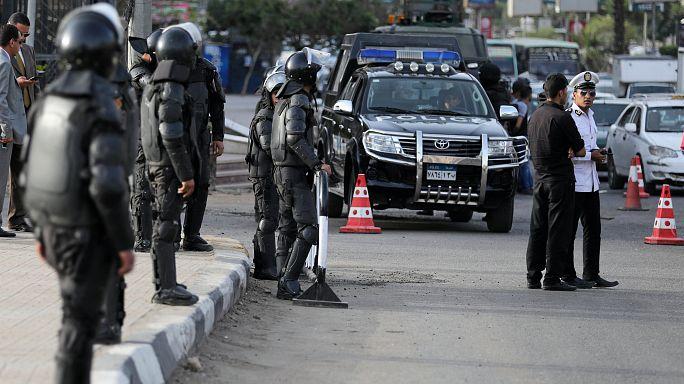"""مصر: مقتل ثمانية عناصر مسلحة في تبادل لاطلاق النار على طريق """"سفاجا-سوهاج"""""""
