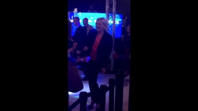 فرنسا: لوبين ترقص على أنغام هزيمتها امام ماكرون