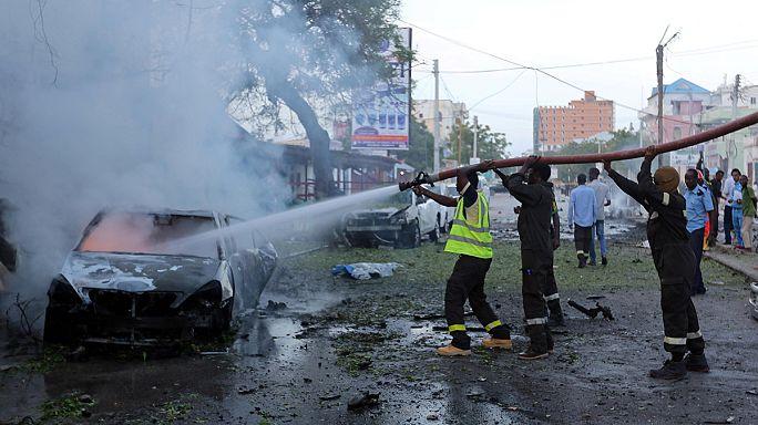 Several die in car bomb cafe attack in Somalia