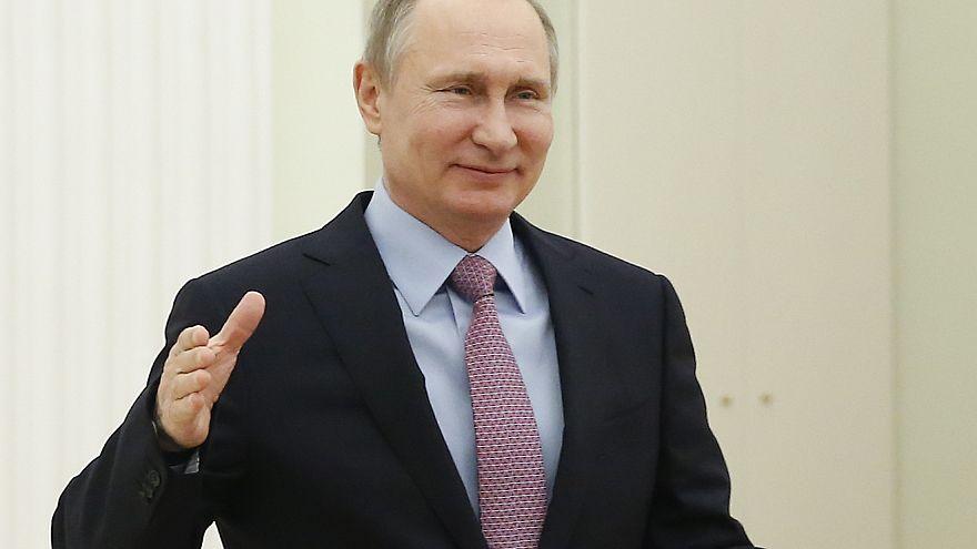 Wenn Putin (64) mit Geschenken vor der Tür steht...