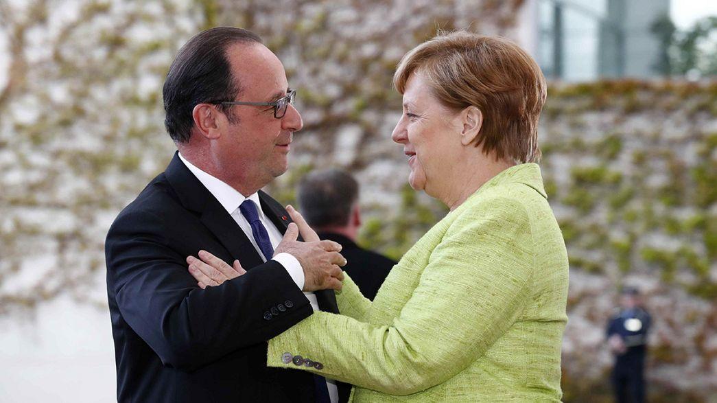 Hollande'dan Merkel'e veda ziyareti