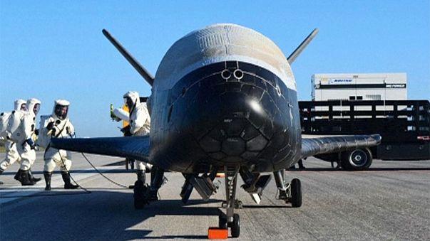 Aux Etats-Unis, l'avion spatial X-37 B a atterri au Centre spatial Kennedy