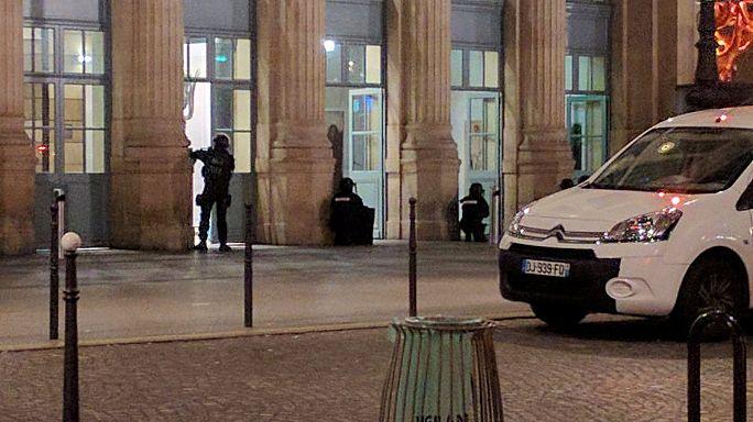 Paris tren garında terör alarmı