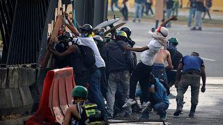 36 قتيلا خلال خمسة أسابيع في مظاهرات فنزويلا