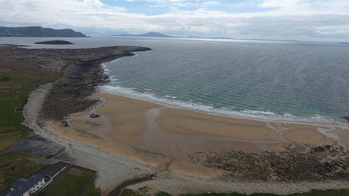 "Irish beach ""returns"" after 33-year absence"