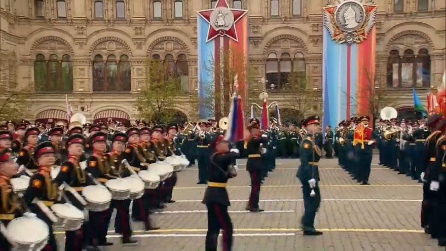 """في الذكرى 72 ليوم النصر، بوتين """"للاتحاد في محاربة الارهاب"""""""