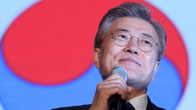 Coreia do Sul: Liberal Moon Jae põe fim a uma década de governos conservadores