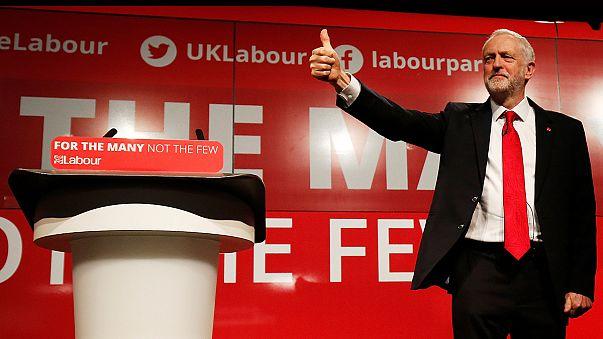 """Corbyn seguirá al frente del laborismo británico tras """"la debacle"""""""