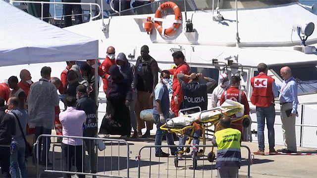 11 migrants morts et 230 portés disparus ce week-end en Méditerranée