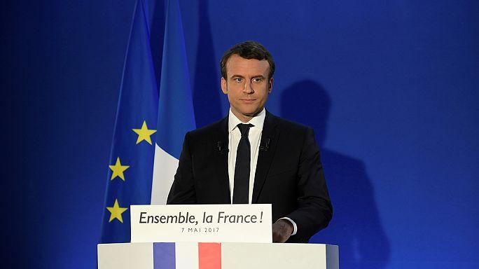 Juncker Macron'u bütçe açığı konusunda uyardı