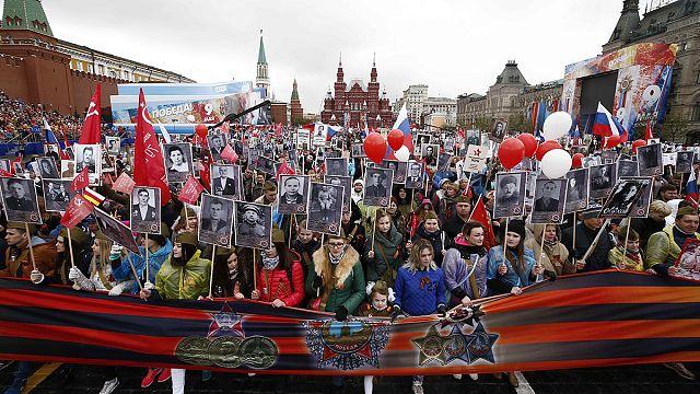Rusya Zafer Günü'nde 'Ölümsüz Alay' için yürüdü