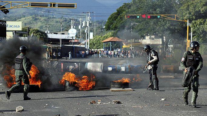 'Hundreds face military trial' amid Venezuela anti-Maduro protests
