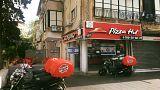 بيتزا هات تعتذر بعد اعلان مسيء للأسرى المضربين عن الطعام