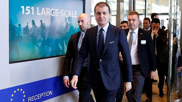 AB Bakanı Çelik Brüksel'de Mogherini ile görüştü
