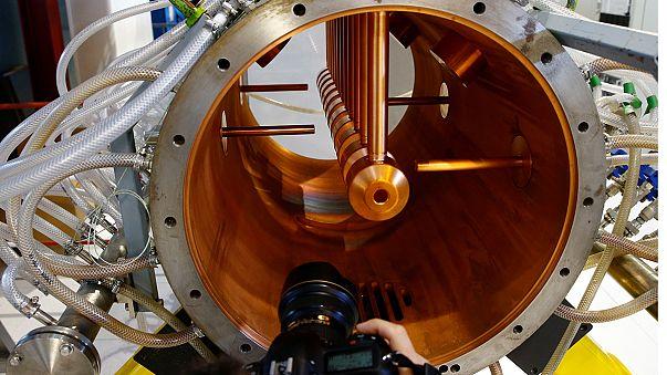 Il Cern inaugura il nuovo acceleratore di particelle Linac 4